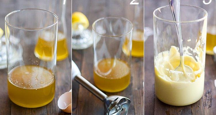 La mejor manera para que no se corte es utilizar un vaso de batidora estrecho.