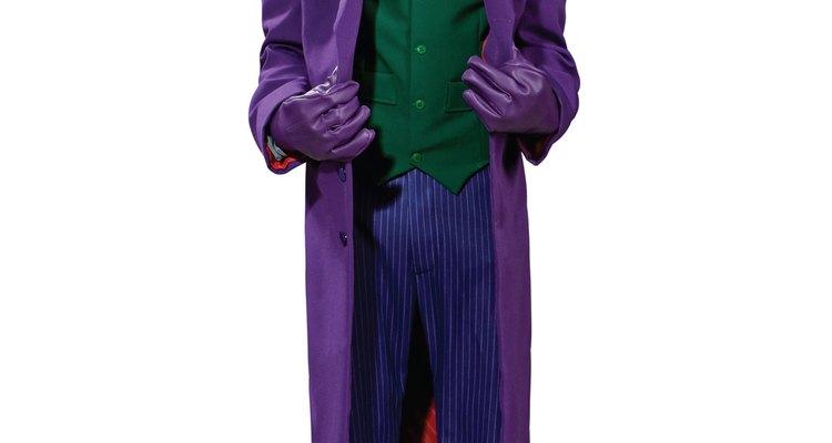 El guasón es un personaje que fue magistralmente caracterizado por Heath Ledger.