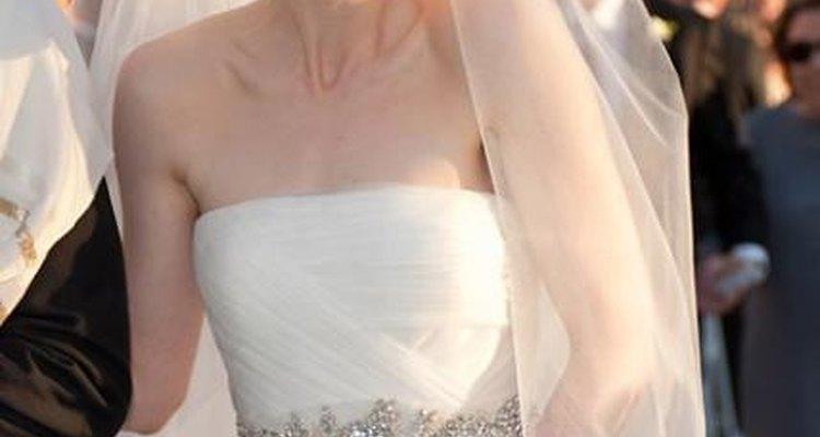Si buscas un detalle especial para tu vestido, podrás encontrar la inspiración en este hermoso vestido.