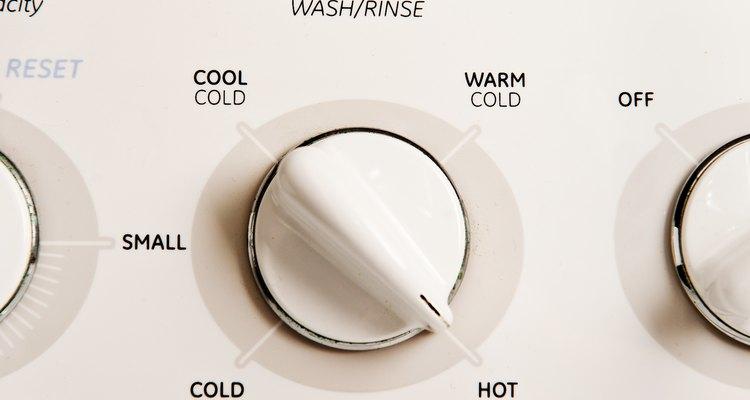 Utiliza agua caliente para llenar la lavadora.
