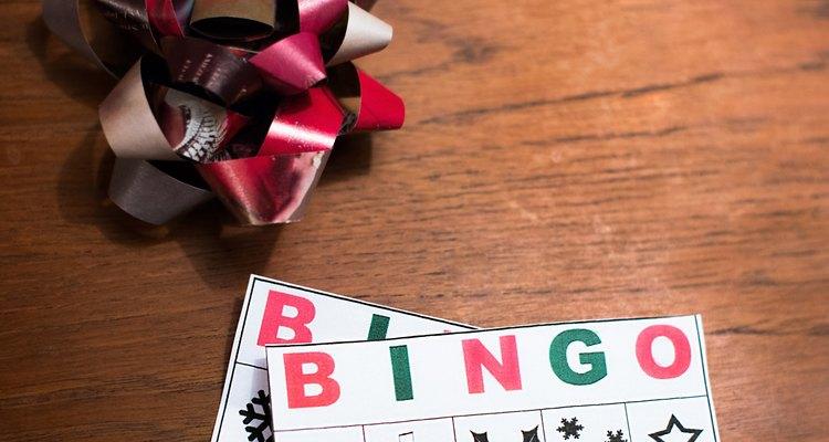 Continúa jugando hasta que todos formen bingo y hayan seleccionado su regalo.