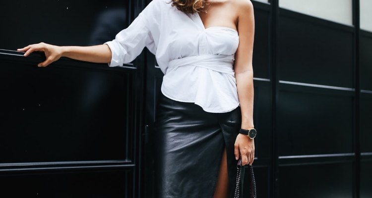 how to create a one shoulder shirt out of a white shirt