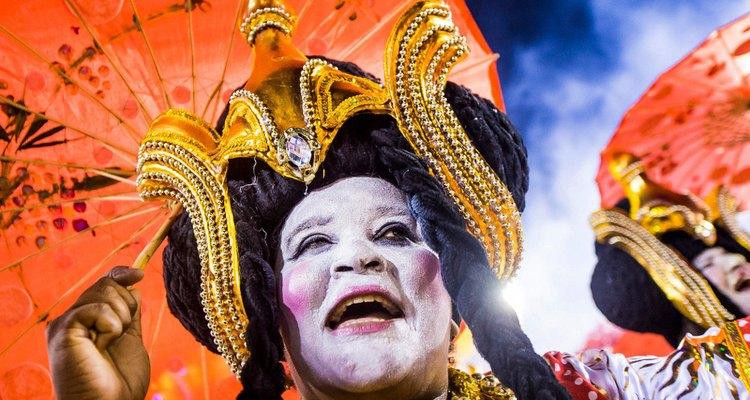 Os desfiles de Carnaval mais marcantes misturam imagem e música