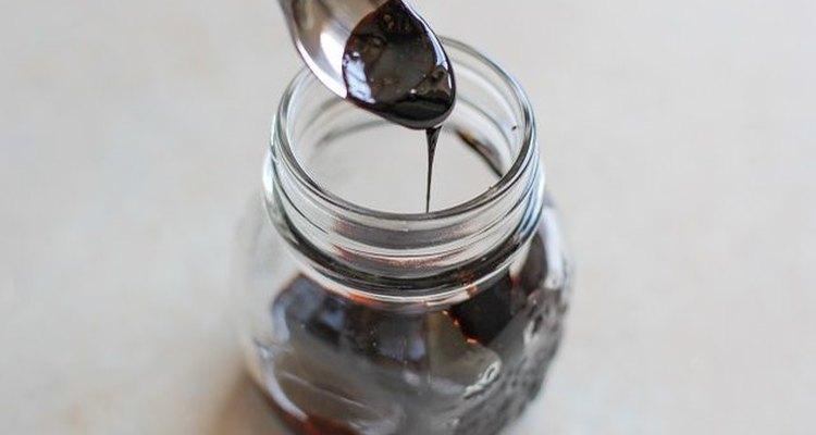 Cómo hacer una reducción de vinagre balsámico.