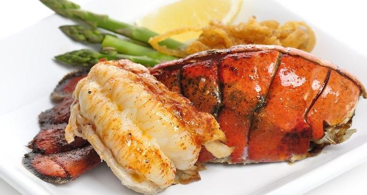 Lagosta é um prato sofisticado, que pode ser preparado em casa, com relativa facilidade