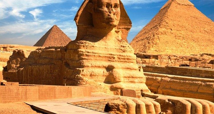 As conquistas militares e as revoluções políticas causaram mudanças drásticas no Egito