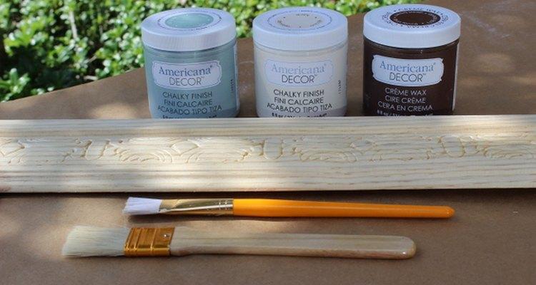 Pintar con pintura de tiza es el método perfecto para lograr un look desgastado y vintage.