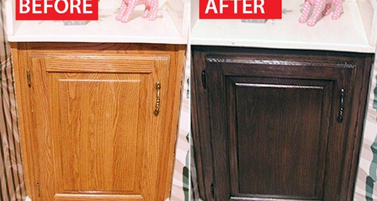 Los armarios oscuros lucen más modernos.