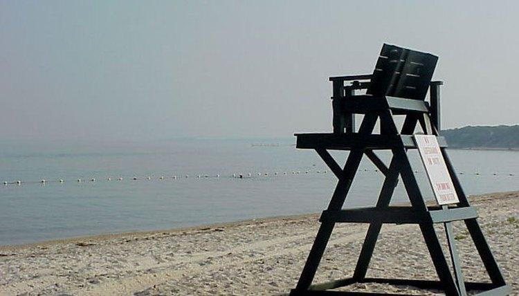 How to Build a Lifeguard Beach Chair
