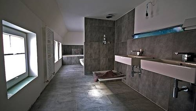 commercial bathrooms - Commercial Bathroom