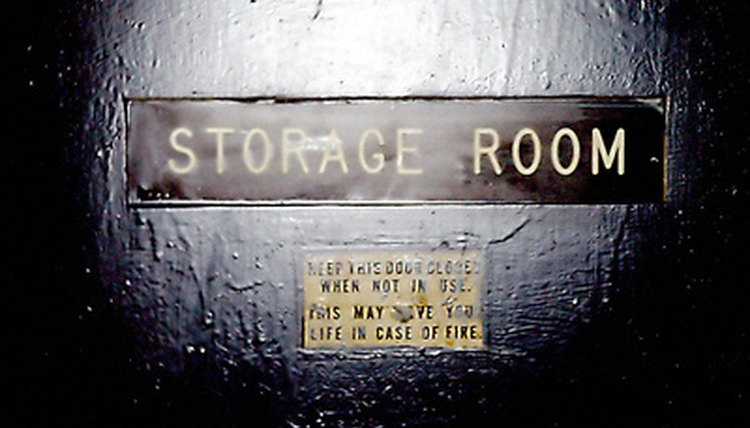 Several laws govern what a renter and owner can do with a storage unit.