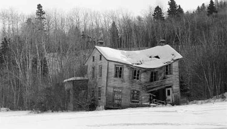 A setting with an old home can provide an eery backdrop to a story or essay.