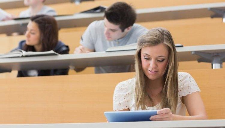 College freshmen in lecture hall.