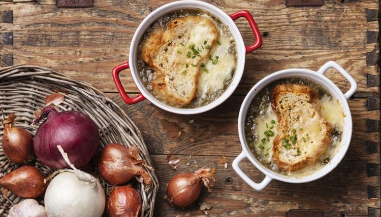 Le menu: Give students a taste of French cooking along with the language.