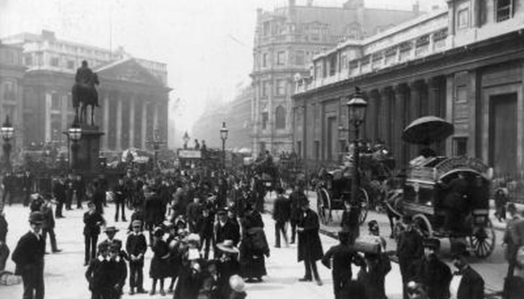 Pedestrians, carriages, bikes and horses fought for the right-of-way in the early 1900s.