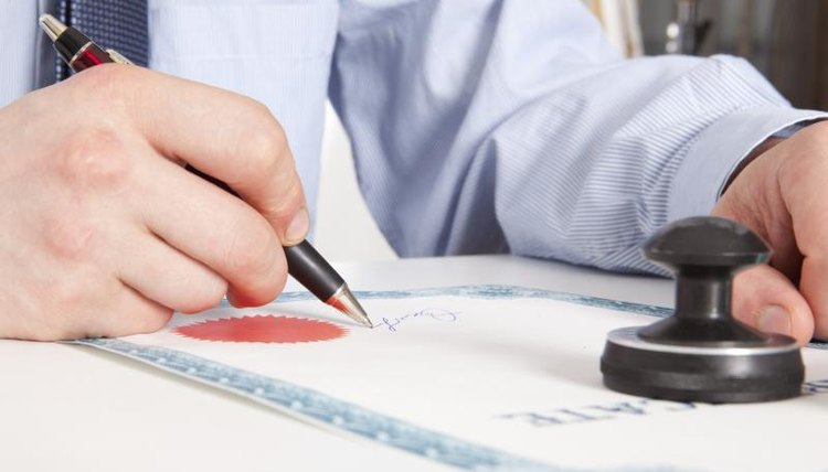 Image of a notary.