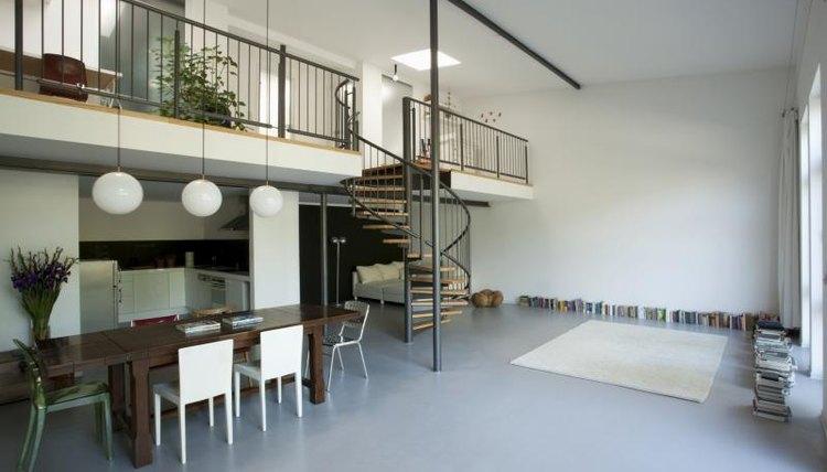 Small mezzanine in building