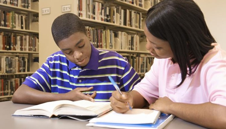 Students working together in library.