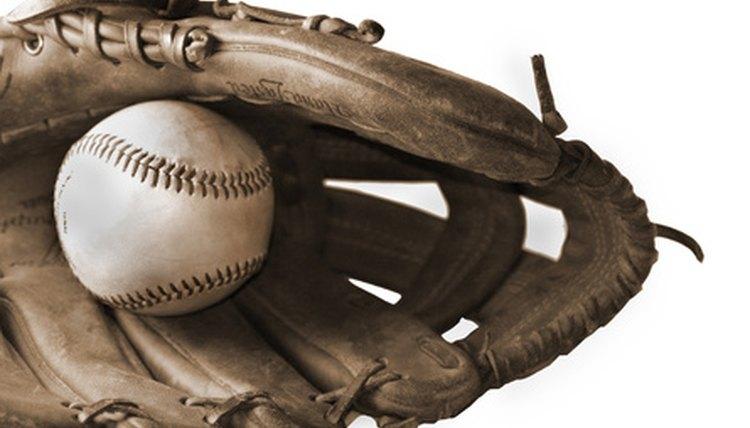 How to Tighten a Softball Glove
