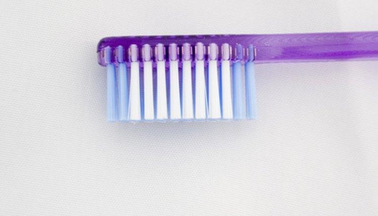 Como Clarear Os Dentes Com Bicarbonato De Sodio