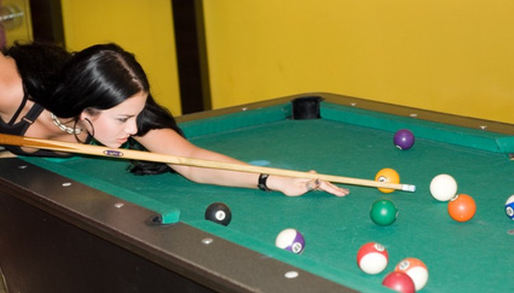 How to Use the Sights on a Pool Table