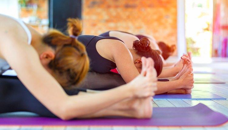 How to Prepare for a Bikram Yoga Class