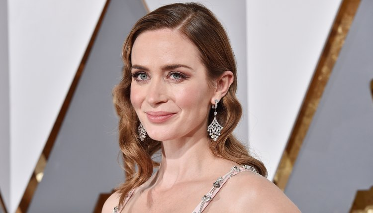 HOLLYWOOD, CA - FEBRUARY 28: Actress Emily Blunt attends the 88th Annual Academy Awards at Hollywood & Highland Center on February 28, 2016, in Hollywood, California.  (Photo by Kevork Djansezian/Getty Images)