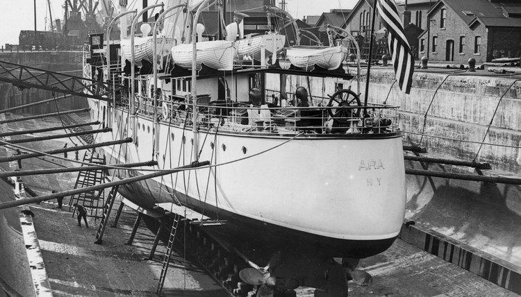 """Ara,"" William K. Vanderbilt's yacht, was originally built for the British Navy."