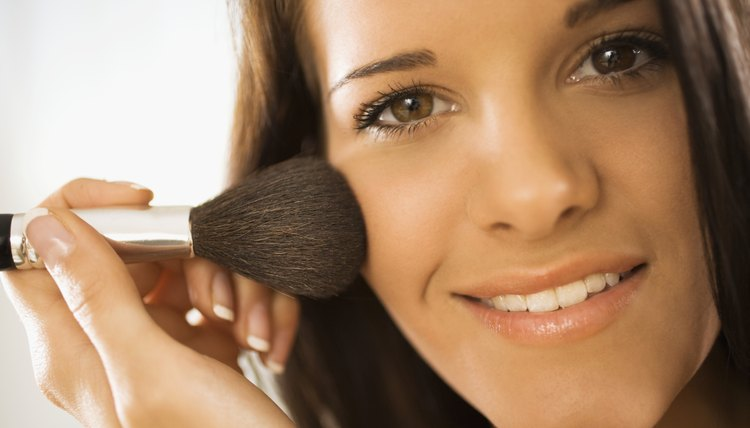 Say goodbye to those dark under-eye circles with a few makeup tricks.