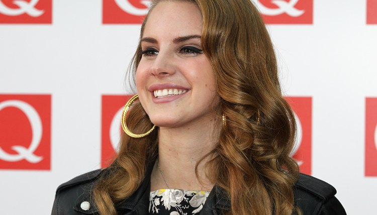 Lana del Rey sports curls at the London Q Awards in 2011.