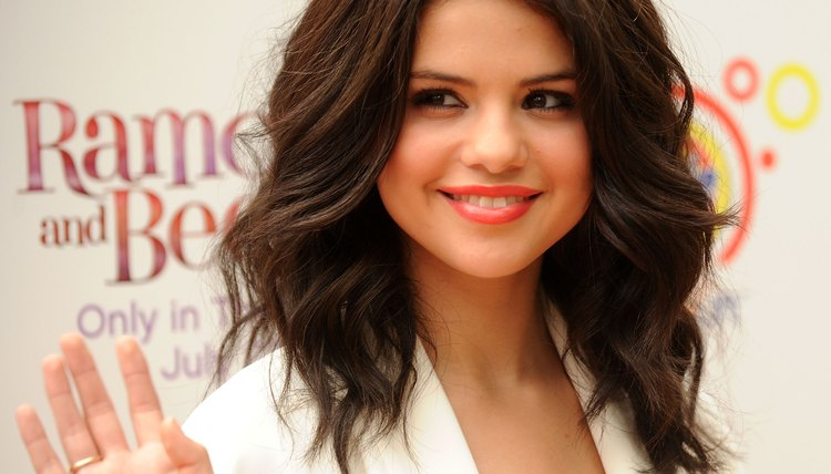 You can recreate Selena Gomez's voluminous waves with a 1-1/2-inch curling iron.