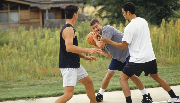 How to Avoid Cramps While Playing Basketball