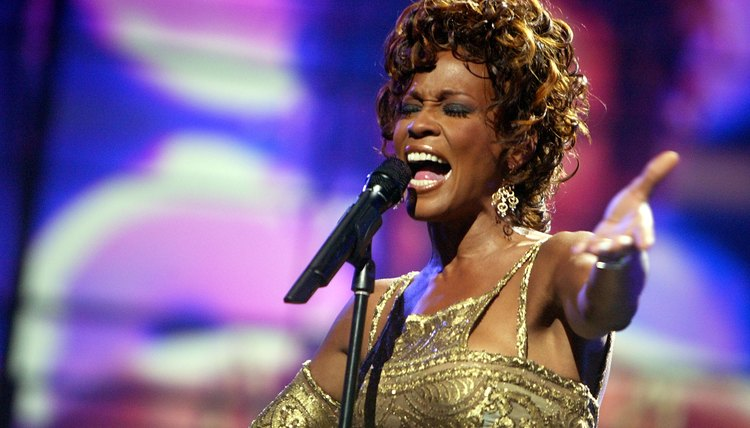 Whitney Houston performs during the 2004 World Music Awards on September 15, 2004 in Las Vegas, Nevada.