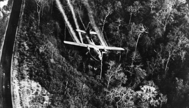 Spray booms allowed C-123s to spray defoliants in Vietnam.