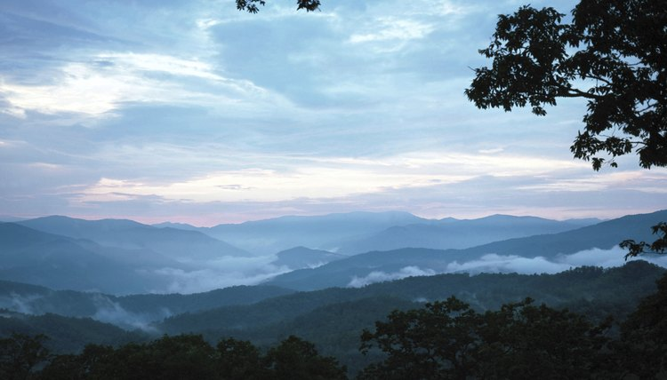 Before 1800, the Appalachian Mountains were a barrier to westward expansion.