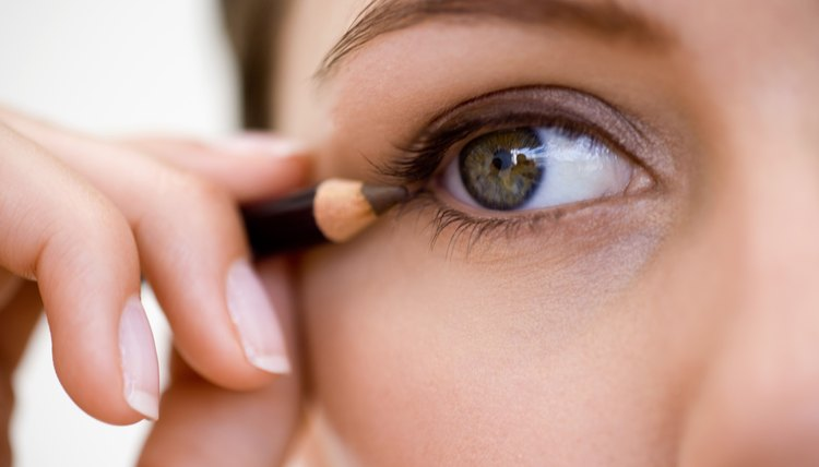 Eyeliner on the upper lid creates a natural look.