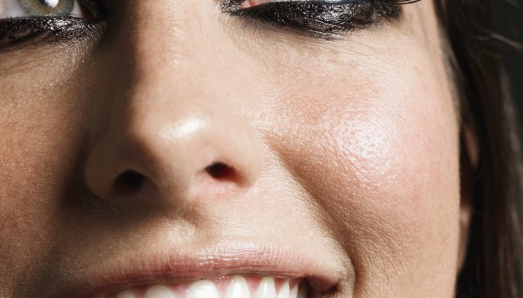 Learn how to make your lashes pop!