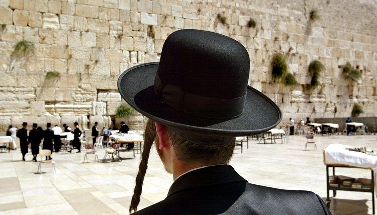 Sidelocks are a distinguishing characteristic of Orthodox Jewish males.
