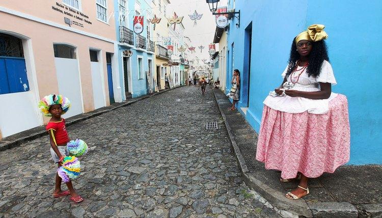 Woman wearing a Baiana dress