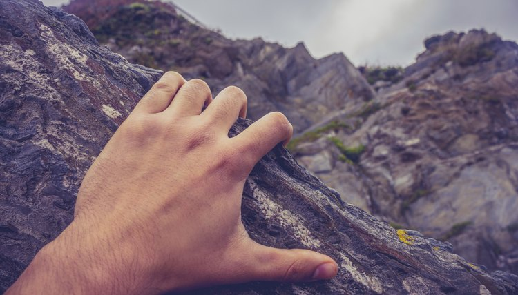 Exercises for Strengthening Hands for Rock Climbing