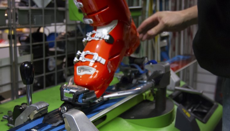 How to Convert Shoe Size to Ski Boots