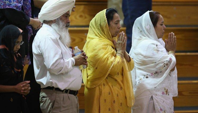 Sikhs Praying in Wisconsin.