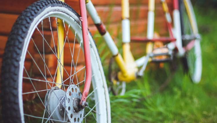 How to Attach a Trek Tag Along to a Bicycle