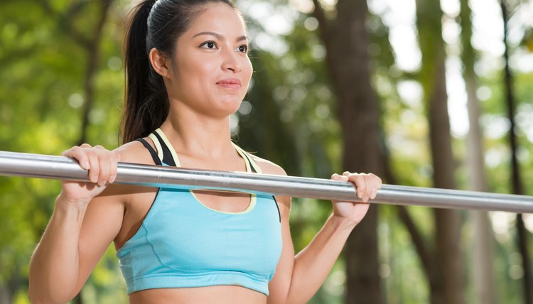 Difference Between Barbell Rows and Pullups