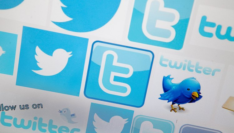 Twitter updates on Facebook may appear as spam to some viewers.