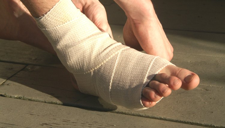 How to Wrap an Ankle With an Ace Bandage