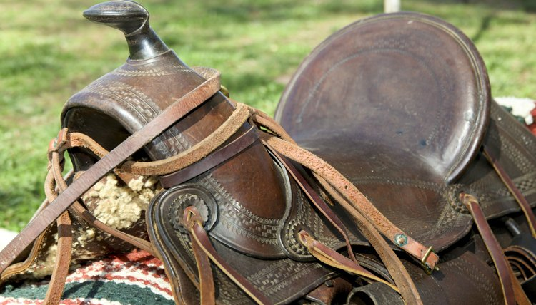 How to Measure the Gullet Size for a Western Saddle