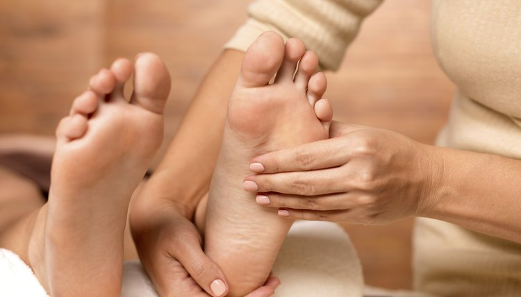 How to Prevent Foot Cramps While Running