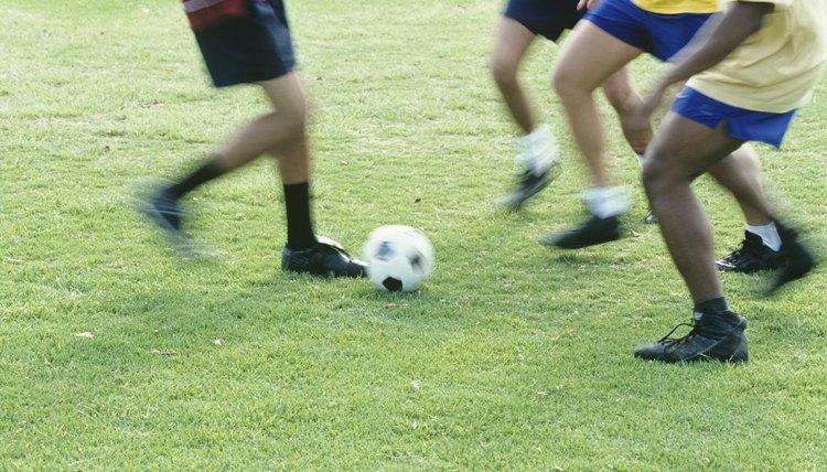 Differences & Similarities Between American & European Soccer