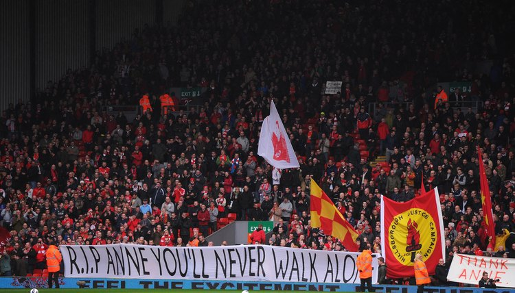 How to Make a Breakthrough Football Banner